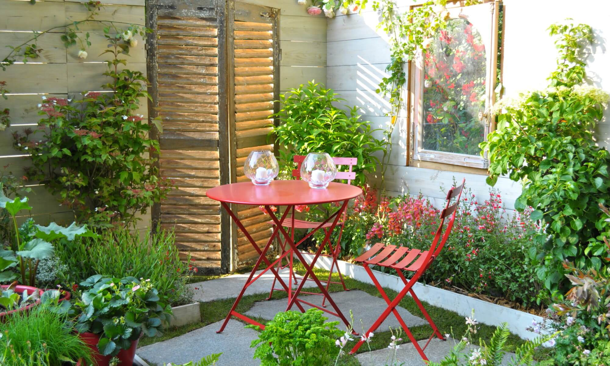 Beautiful petit jardin de ville images for Decoration petit jardin maison