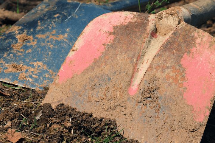 Travailler un sol dur et sec