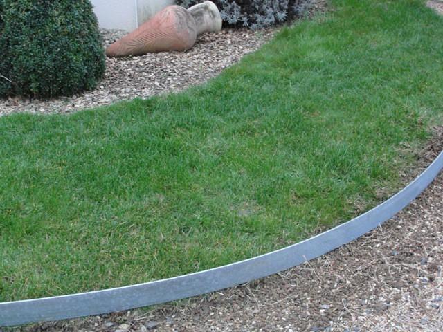 Volige tradition acier galvanis l2m x h15cm x 5mm jardinet for Bordurette acier pour jardin