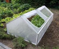 Mini tunnel ch ssis de jardin accompagnez la croissance de vos plantes serre tunnel - Tunnel de protection pour potager ...
