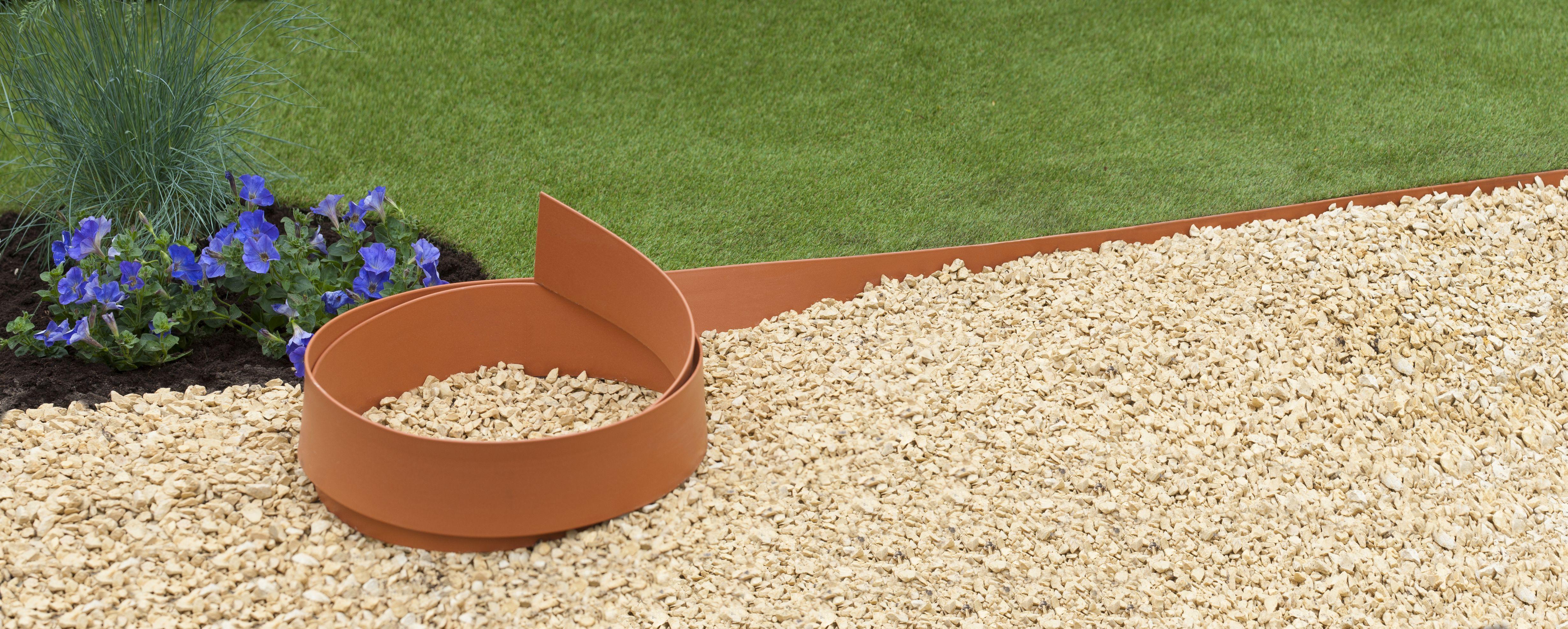 Bordure flexible couleur terracotta jardinet - Bordure pour allee de jardin ...