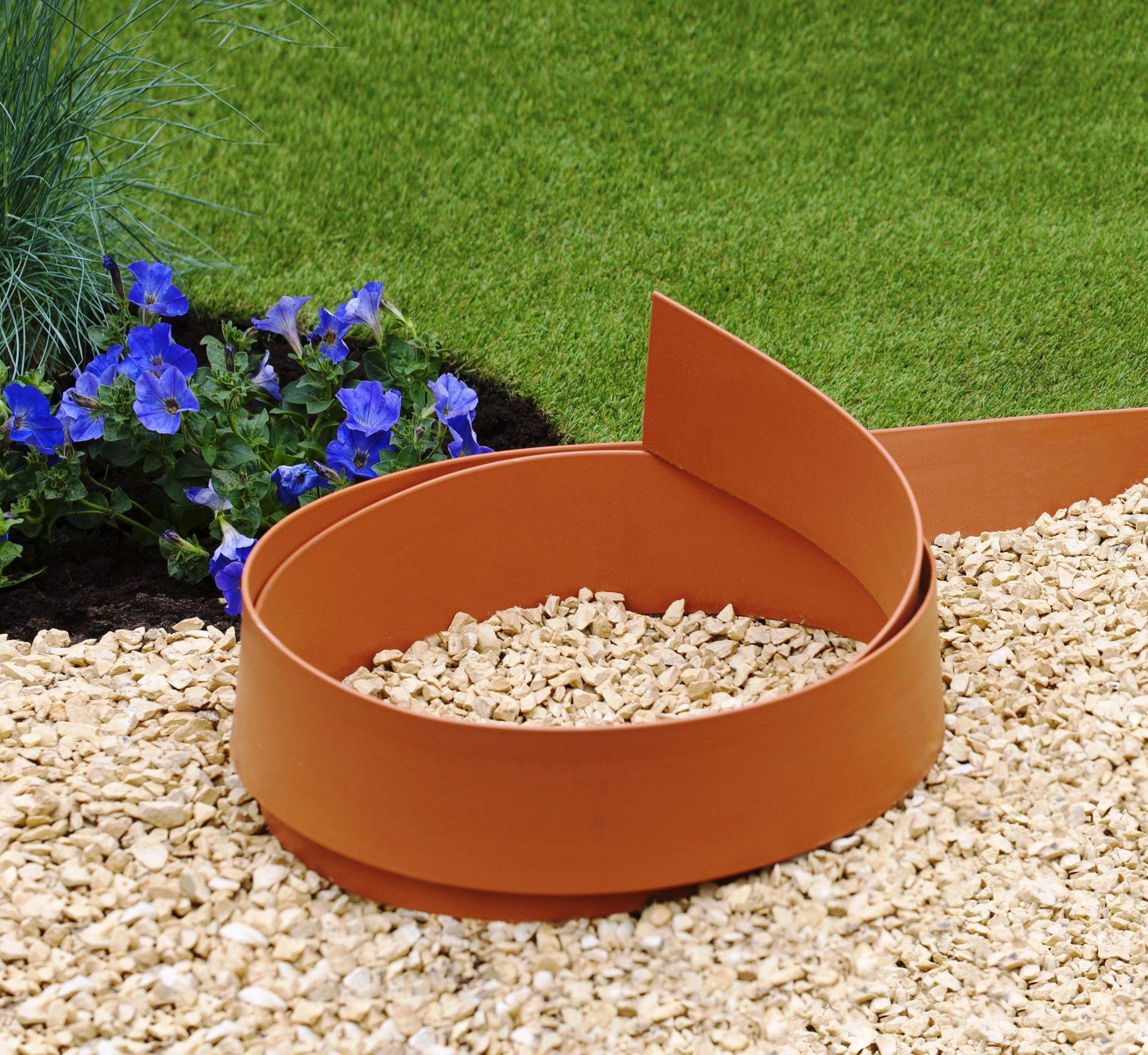 Bordure flexible couleur terracotta jardinet for Bordure de jardin arrondie